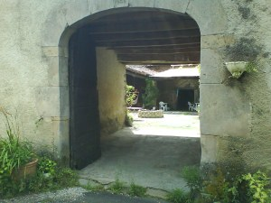 Entrance to the courtyard